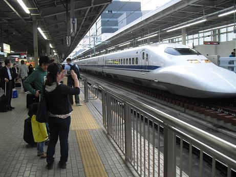 2 N700系新幹線