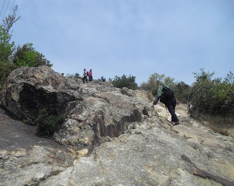 5 岩場を登る