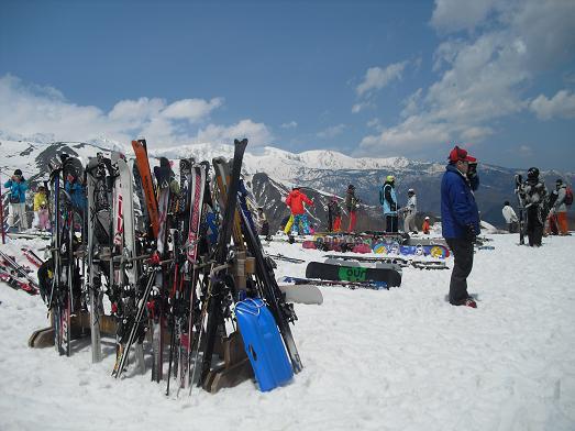 8 スキー板と白馬方面