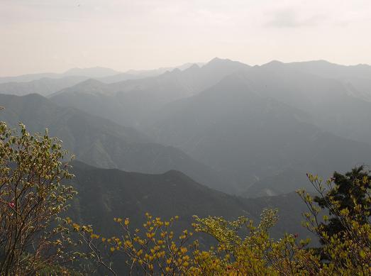 13 白鬚岳頂上より大峰山系