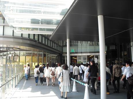 2 JR・グランフロント大阪・連絡橋