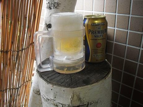 1 氷のビールグラス