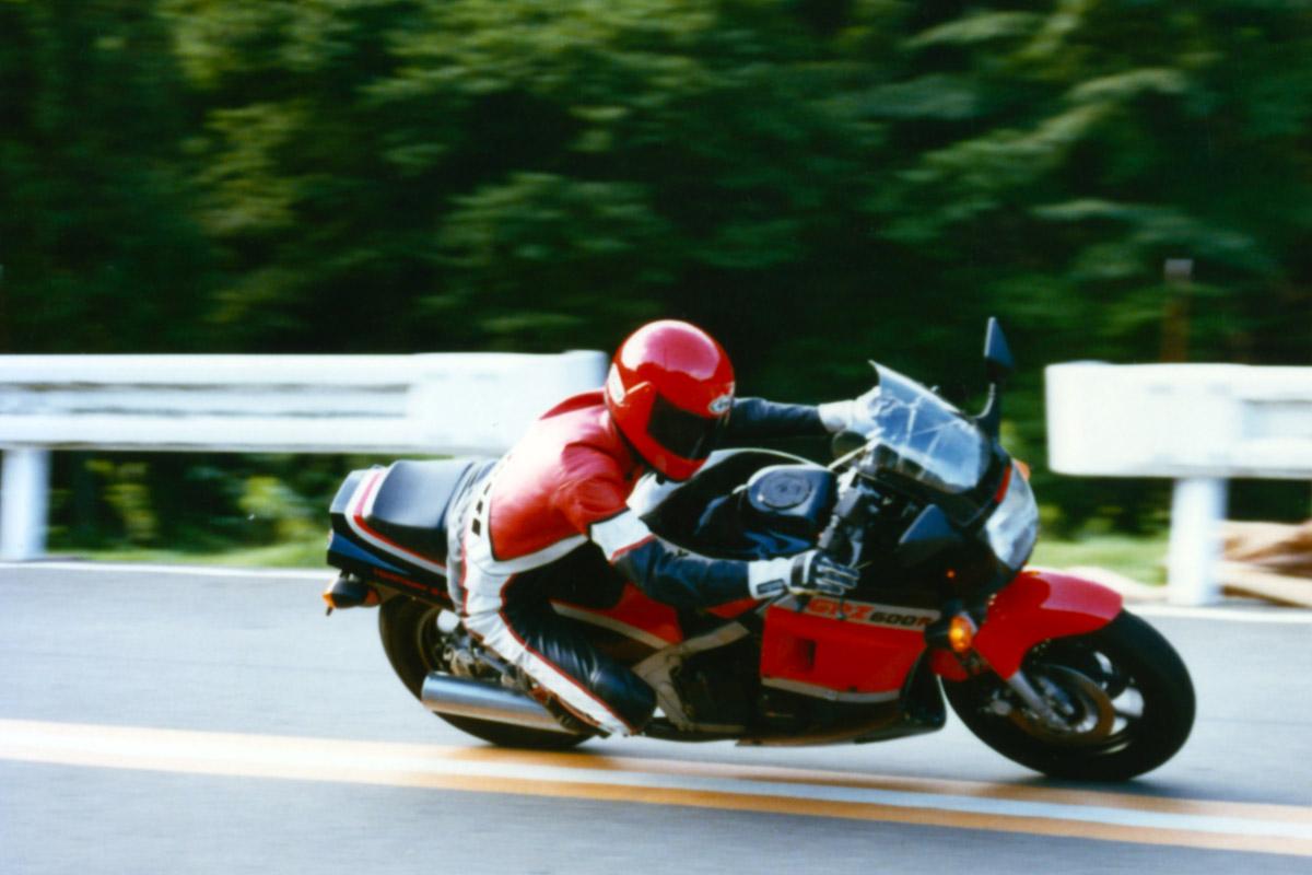 Kawasaki_GPZ600R_jinb.jpg