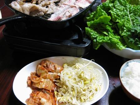 豚バラのカリカリ焼きと一緒に食べました~!!