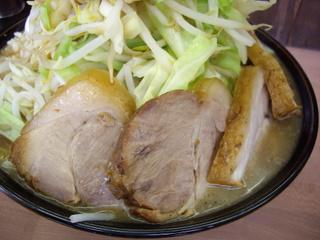 魔人豚MAJIN BOO 大ラーメン豚入り+うずら6個(豚)