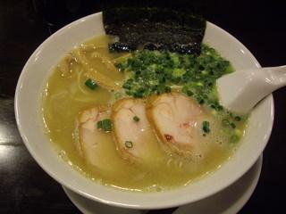 丸千茶寮 鶏丸[無化調水炊きスープ]塩味