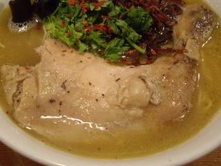 月曜ラーメン『ゲツメン』 濃厚鶏塩ラーメン(チキン)