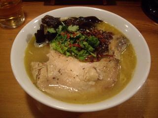 月曜ラーメン『ゲツメン』 濃厚鶏塩ラーメン