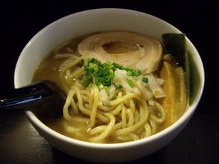 麺処GROWTH らぁ麺