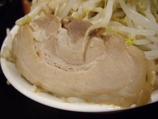 ジャンクガレッジイオン北戸田店 ラーメン[大]+豚+ヤサイマシアブラマシニンニク少し(豚)