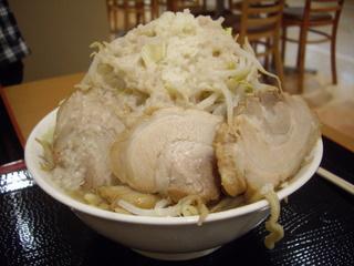 ジャンクガレッジイオン北戸田店 ラーメン[大]+豚+ヤサイマシアブラマシニンニク少し