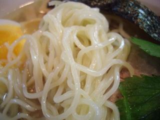 国民食堂 潮らーめん(麺)