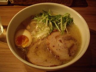 ジョニーヌードル 鶏塩白湯麺