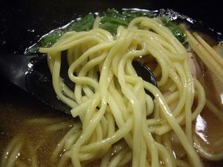 ラーメン屋 きまぐれ八兵衛 醤油豚骨(麺)