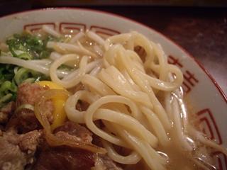 肉ばかラーメン なおじ 肉バカラーメン醤油(麺)