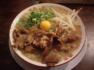 肉ばかラーメン なおじ 肉バカラーメン醤油