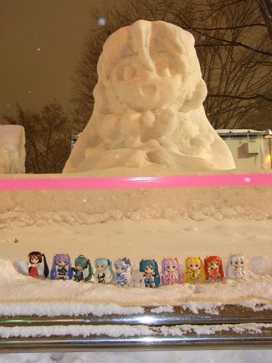 雪ミク雪像を前に勢ぞろい1