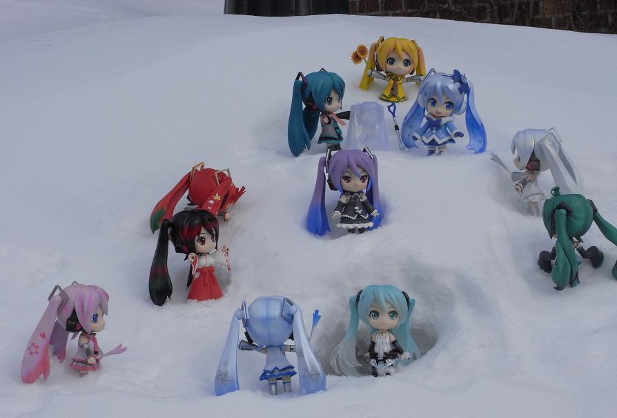みんなで仲良く雪遊び!