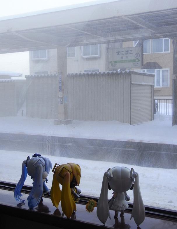 吹雪く車窓3