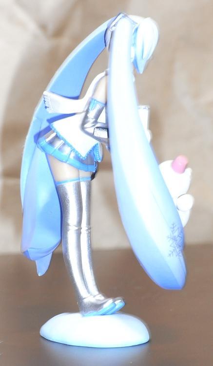 みやげフィギュア雪ミクさん横2