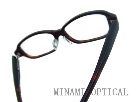 アトラクト メガネ 3