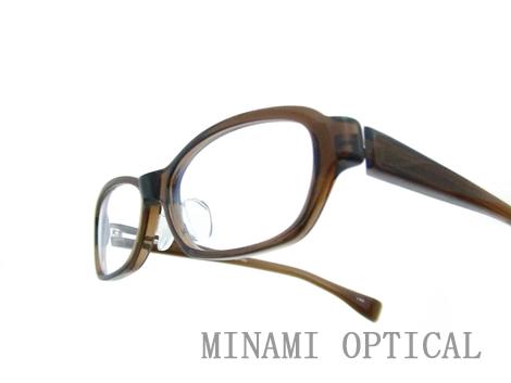 アトラクト メガネ 4