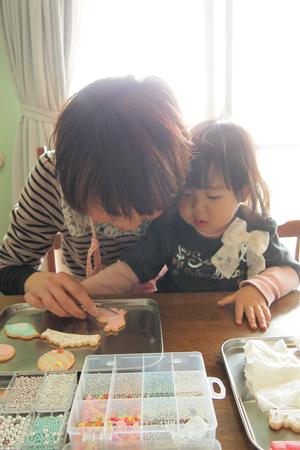 子供同伴アイシングクッキーレッスン風景
