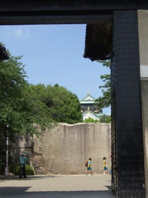 桜門から巨石