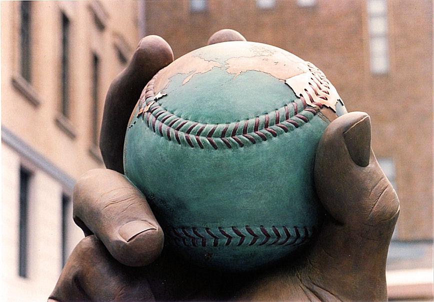 日本野球発祥の地モニュメント(部分) 撮影 松田光司