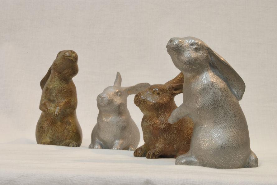 ウサギⅠ・Ⅱ(ステンレスとブロンズ) 松田光司作