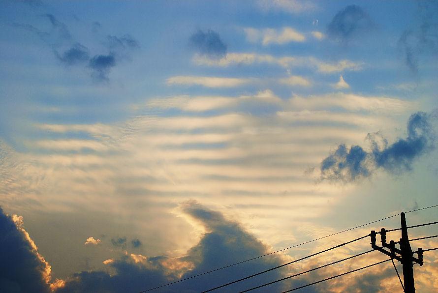 不思議な雲 撮影 松田光司