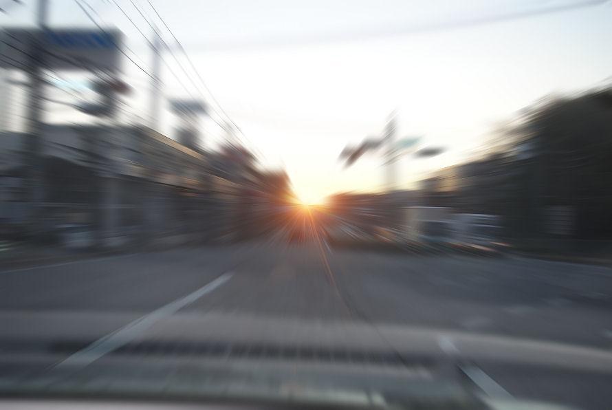 走る。 撮影 松田光司