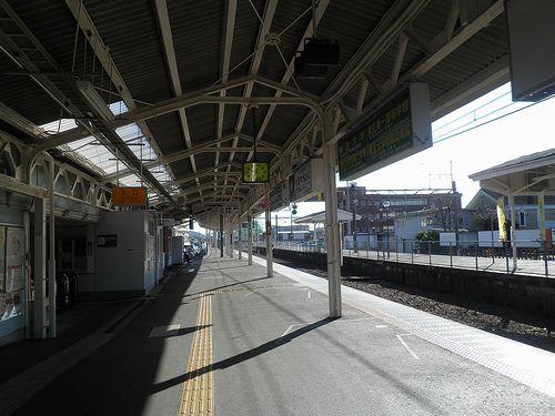 両毛線足利駅・ホーム(2013年11月26日)