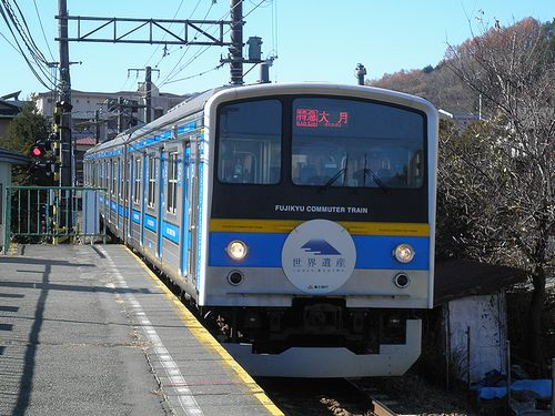 富士急行6000系・6051編成「特急」(2013年11月30日・葭池温泉前駅)