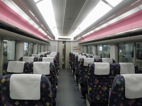 クハE256-11(長モト)車内(2013年11月30日・松本駅)
