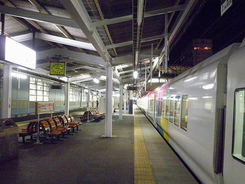 長野駅・ホーム(2013年11月30日)