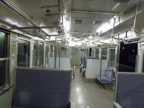 クハ115-1224(長ナノ)車内(2013年11月30日・小淵沢駅)