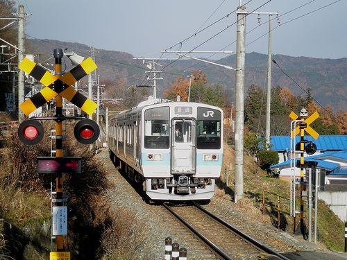 篠ノ井線姨捨駅・スイッチバック(長ナノ211系「N332編成」)(2013年12月1日)1