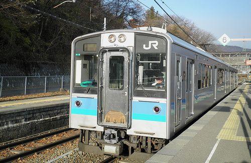 長モトE127系「A4」編成(2013年12月1日・姨捨駅)