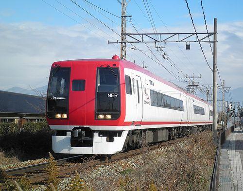 長野電鉄2100系「スノーモンキー」E2編成(2013年12月1日・小布施~都住間)