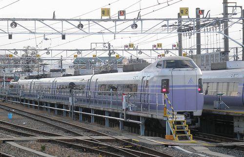 長モトE351系・クハE350-100番代(2013年12月1日・松本駅)1