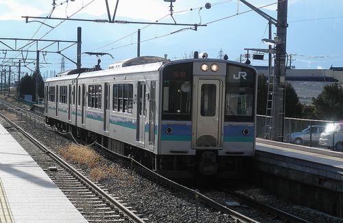 長モトE127系「A4」編成(2013年12月1日・明科駅)