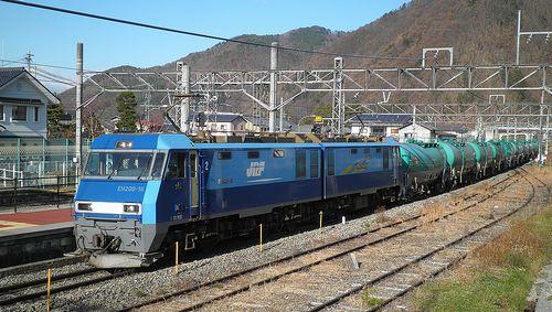 EH200-18[高]牽引・石油輸送列車(2013年12月1日・明科駅)