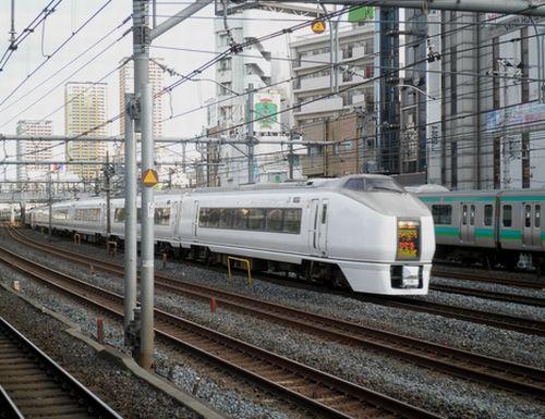 水カツ651系「スーパーひたち」(2012年5月12日・鶯谷駅)
