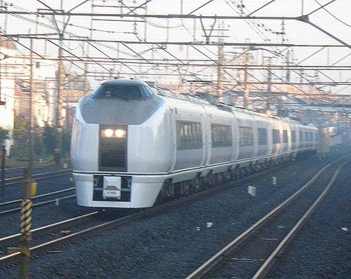 水カツ651系「フレッシュひたち4号」(2013年11月26日・馬橋駅)