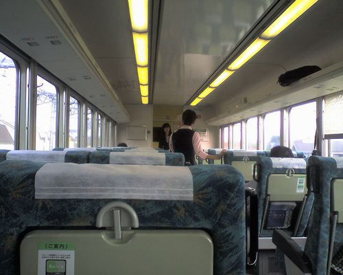 サロ210形車内(2008年5月17日・高崎線)