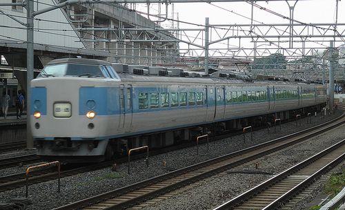 千マリ183系「32」編成(2012年8月4日・東十条駅)