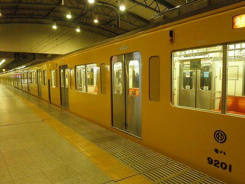 西武9000系(9101F・戸袋窓改造後)(2013年12月25日・池袋駅)2