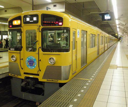 西武9000系(9101F・戸袋窓改造後)(2013年12月25日・池袋駅)1