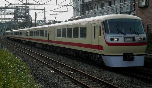 西武10000系10105F「レッドアロークラシック」(2011年11月27日・ひばりヶ丘~東久留米間)
